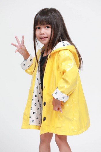 Kids Long Sleeves Raining Hooded Jacket